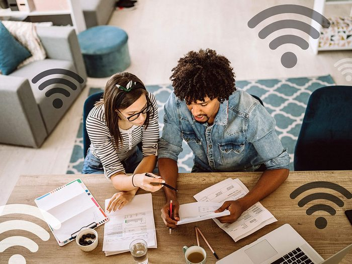 Des factures coûteuses peuvent signifier que quelqu'un utilise votre réseau wifi.
