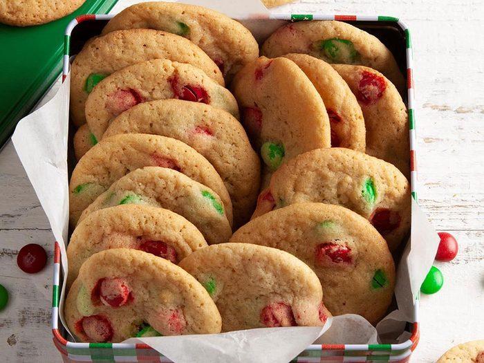 Biscuits de Noël aux M&M.