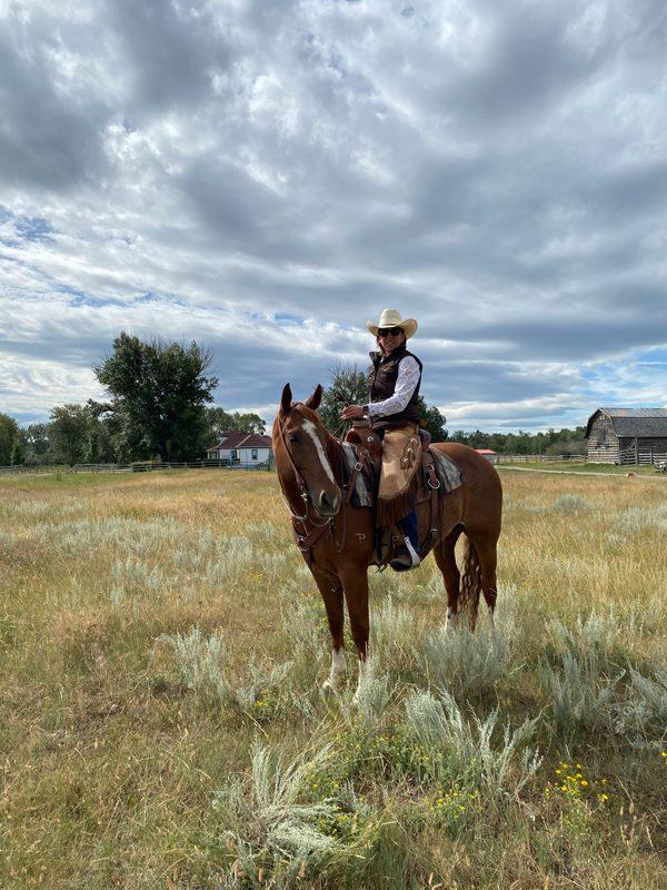 Les Canadiens pourraient être surpris de voir ce à quoi ressemble le quotidien de la famille de Jeanne White, éleveuse de bovins à Claresholm, en Alberta.