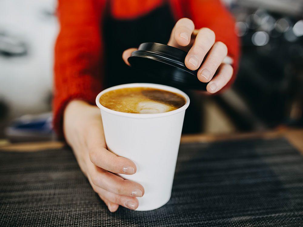 Café et inflammation: les antioxydants et des polyphénols dans le café.