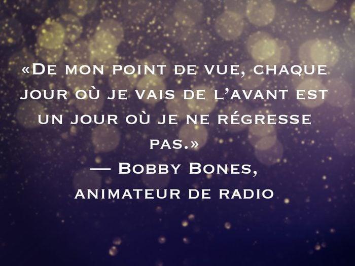 L'une des phrases de Bobby Bones fait partie des 50 citations inspirantes pour le Nouvel An 2021.