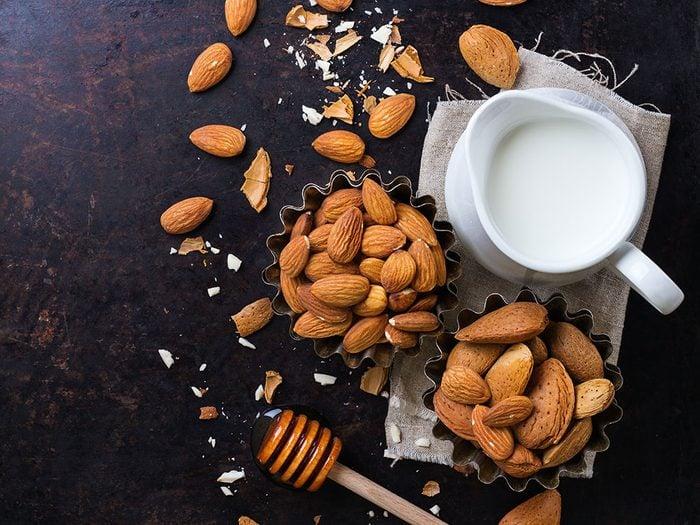 Comment faire du lait d'amande et quelle est sa valeur nutritive?