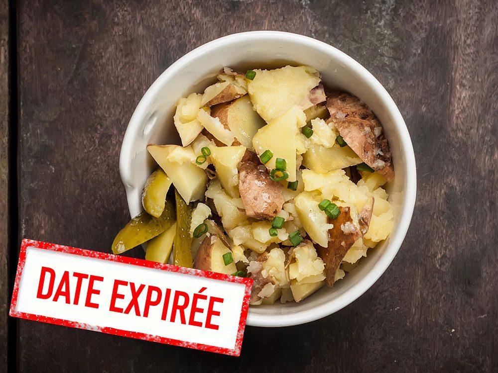 Faites attention à la date de péremption des salades de pommes de terre.