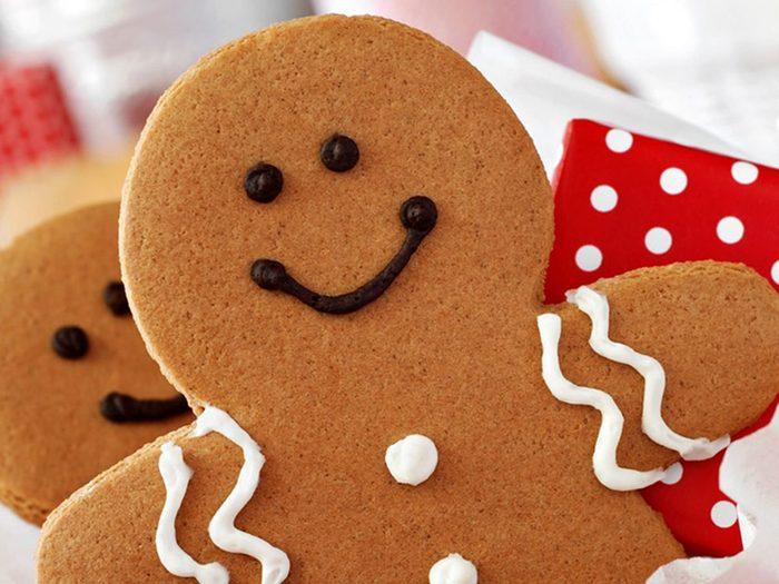 Vos décorations de biscuits de Noël n'ont pas besoin d'être compliqués!