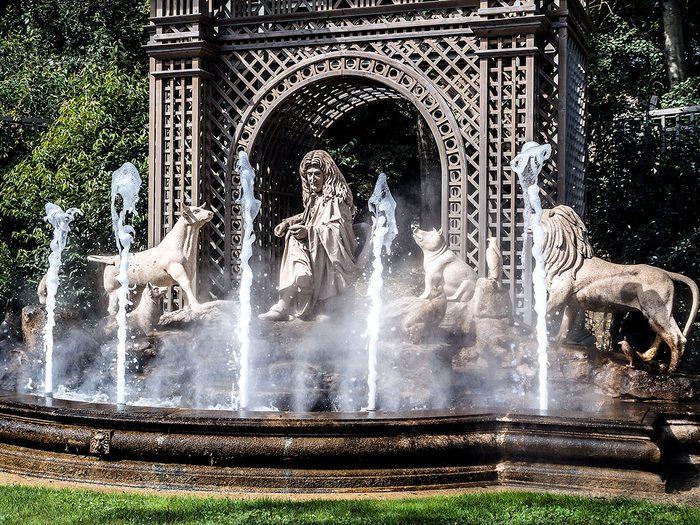 Mots cachés à imprimer: Animaux dans les fables de La Fontaine (5 lettres).