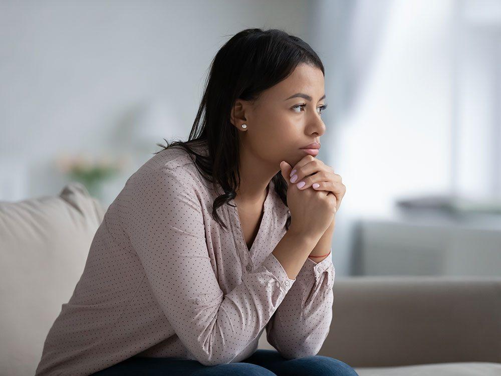 Les types d'attachement anxieux ou évitant font partie des comportements autodestructeurs.