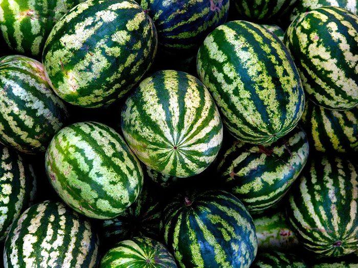Conservation des aliments: mettez les pastèques à température ambiante.