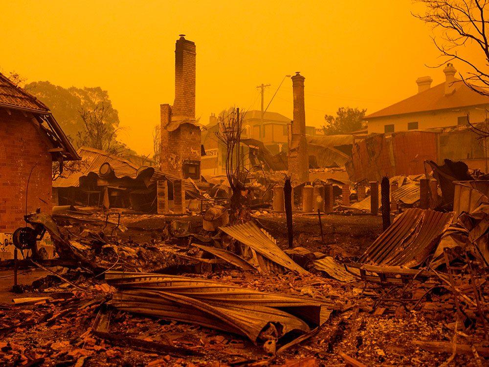 Incendies en Australie: horreur sur la côte, à Cobargo.