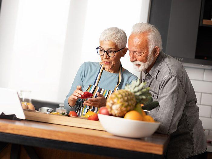 Le jeûne intermittent ralentit le processus de vieillissement.