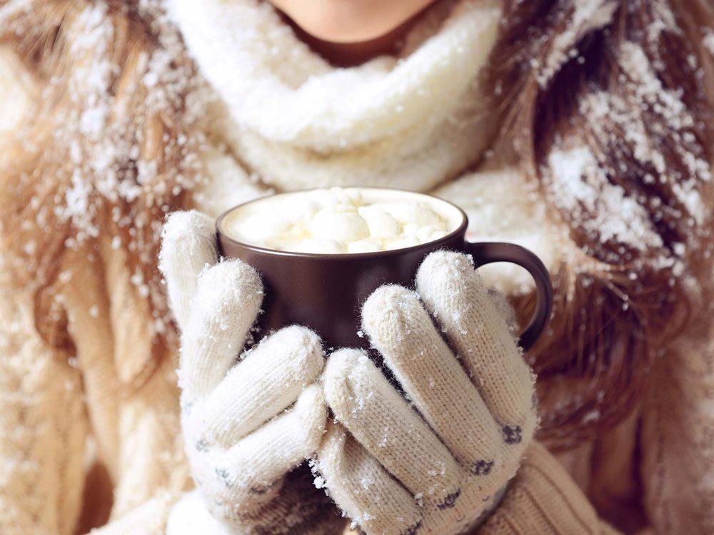 Il faut porter des gants pour avoir les mains douces en hiver.