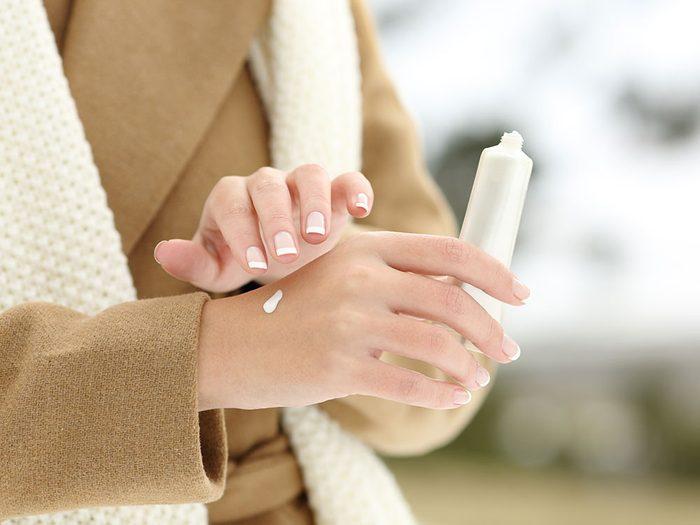 Triompher des rigueurs de l'hiver en gardant les mains douces.