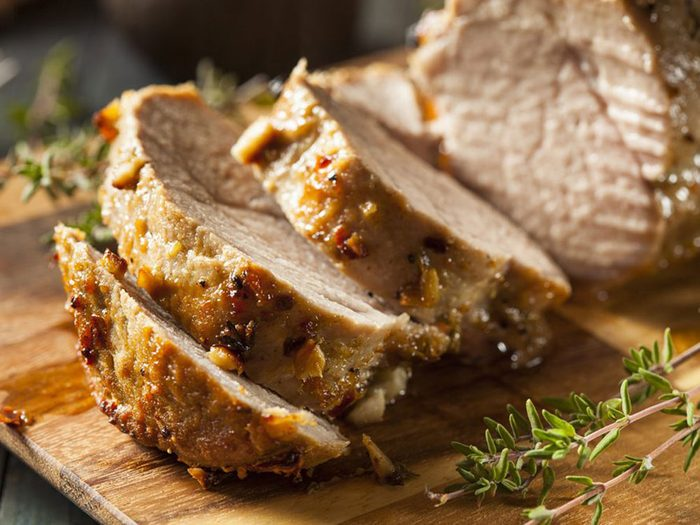 Le porc fait partie des superaliments à consommer pour lutter contre la fatigue.