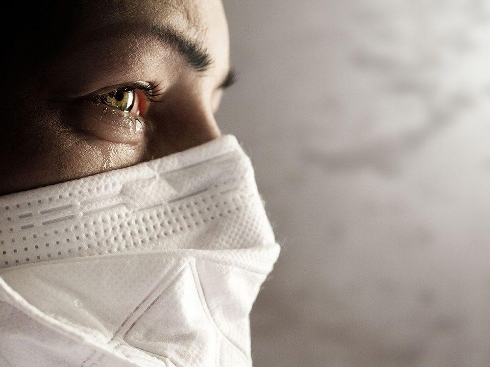 Théories du complot : il faut se rappeler que la pandémie continue.