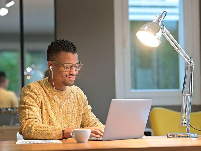 Assurez-vous d'être visible pendant une thérapie en ligne.