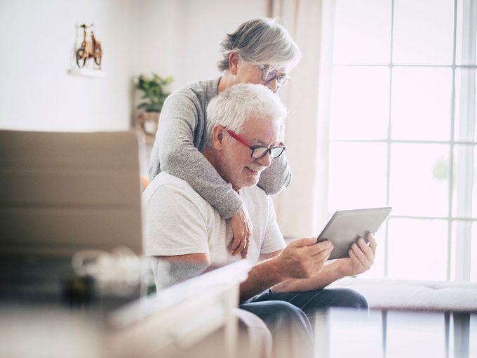 Vieillir autrement: quel avenir pour les aînés?