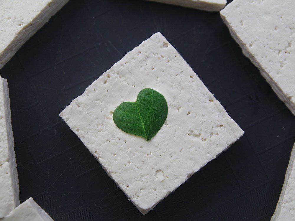 Bienfaits du tofu: le tofu est bon pour le cœur.
