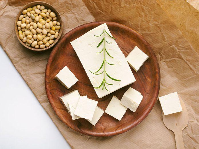 Bienfaits du tofu: le tofu déborde de nutriments.