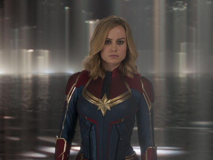 Regardez Captain Marvel en 2e pour être dans la bonne chronologie de film Marvel.