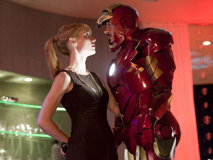 Regardez Iron Man 2 en 4e pour respecter la chronologie de film Marvel.