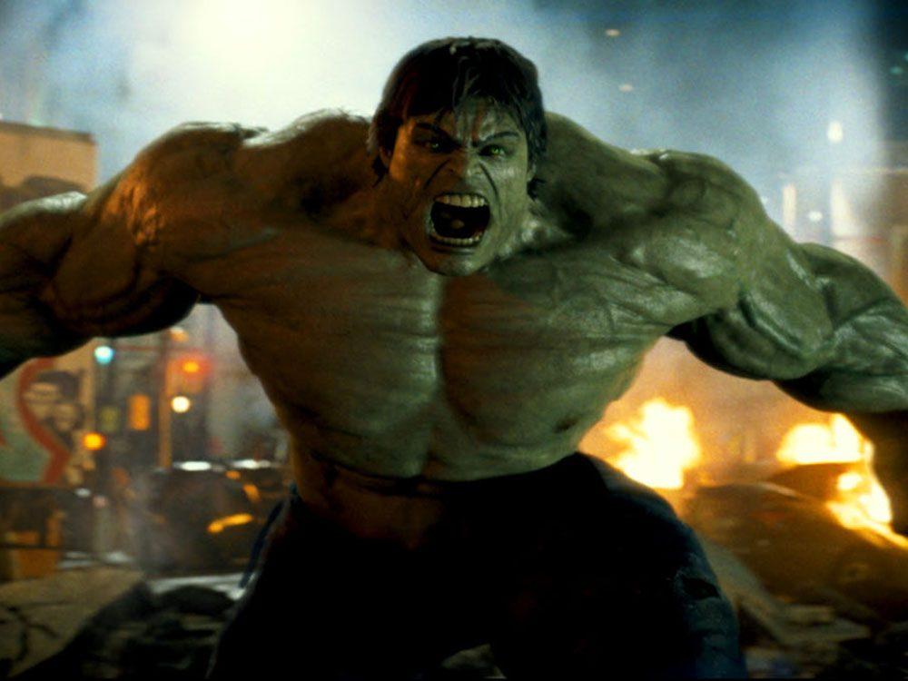 Regardez l'The Incredible Hulk en 5e pour respecter la chronologie de film Marvel.