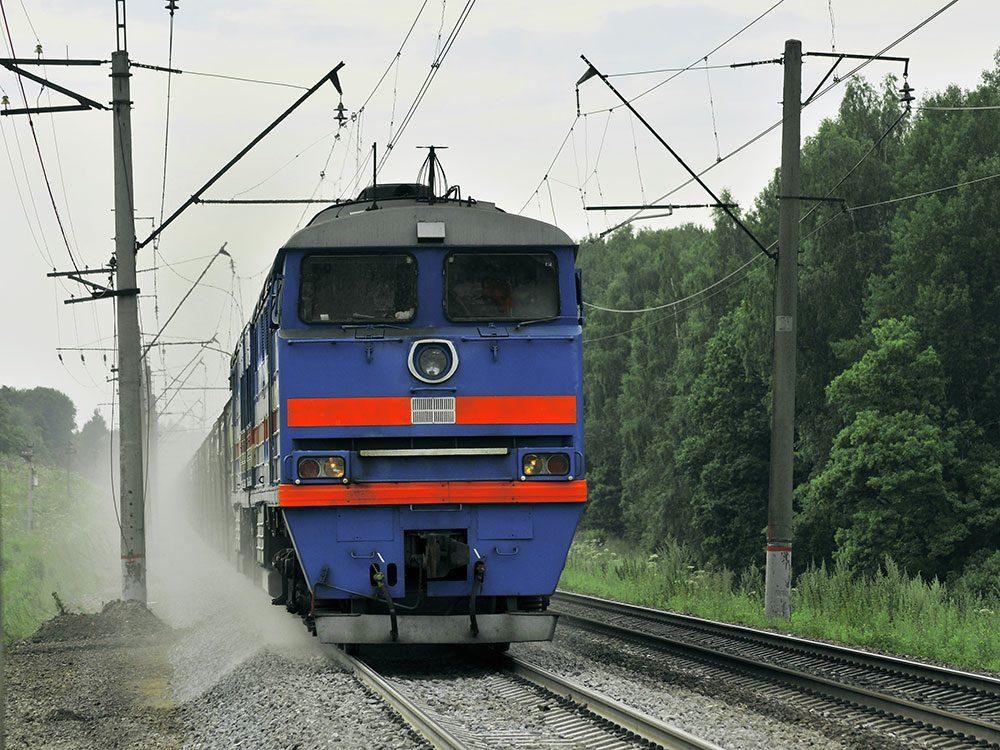 Drame: une enfant sur les rails nécessite le freinage d'urgence du train.
