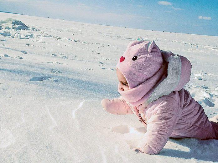 La beauté de l'hiver canadien à travers cette image touchante au lac Nipissing, en Ontario.