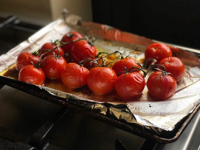 L'impact du papier d'aluminium selon le type d'aliments et la température.