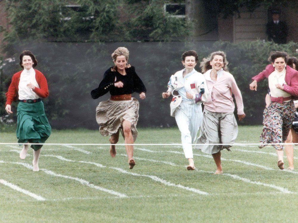 Photos de la princesse Diana en pleine action.