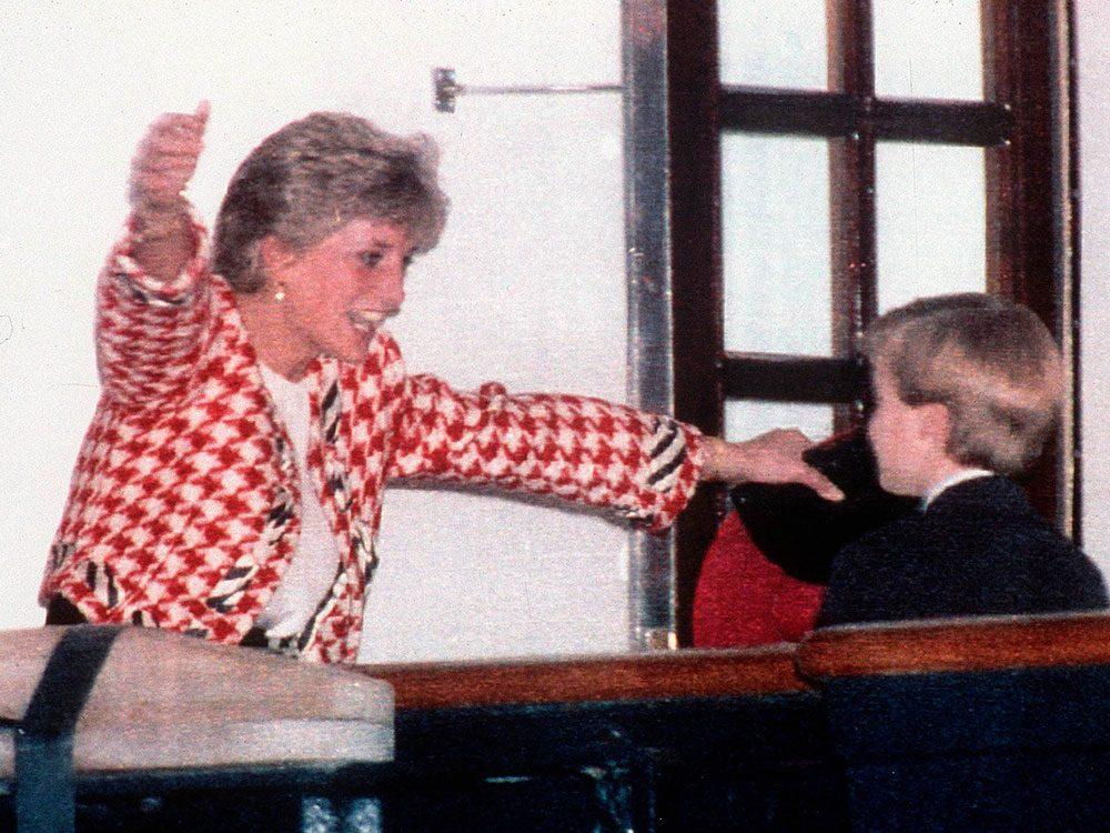 Photos de la princesse Diana avec son fils.