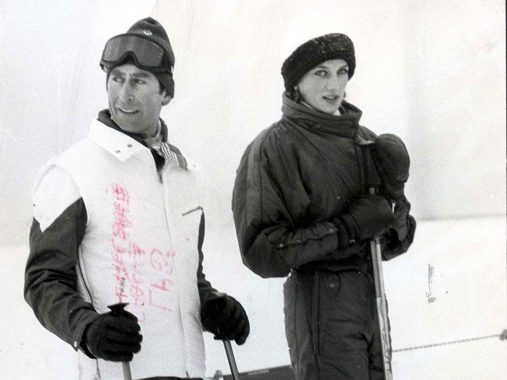 Photos de la princesse Diana et du prince Charles sur les pistes de ski.