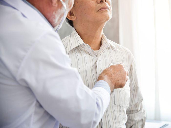 Comment traiter la pneumonie atypique?