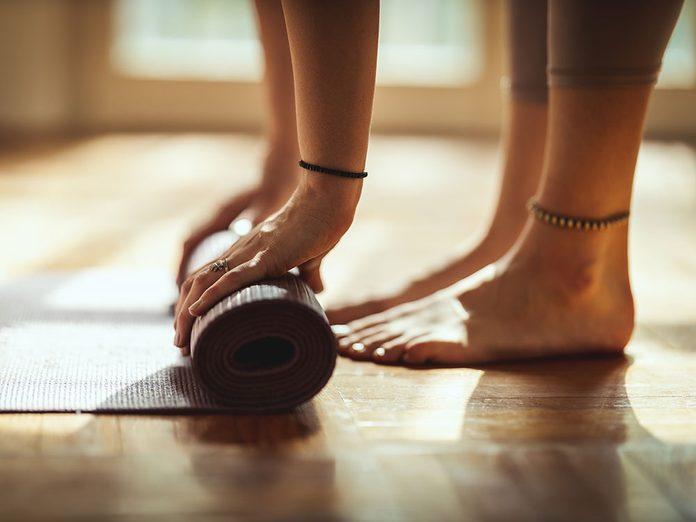 Des postures de yoga contre les douleurs lombaires.