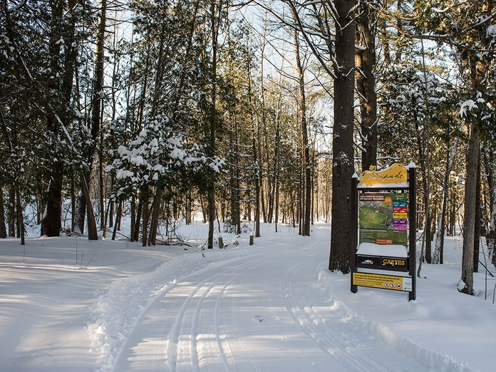Les sentiers du Mont Rigaud sont parfaits pour une randonnée hivernale.