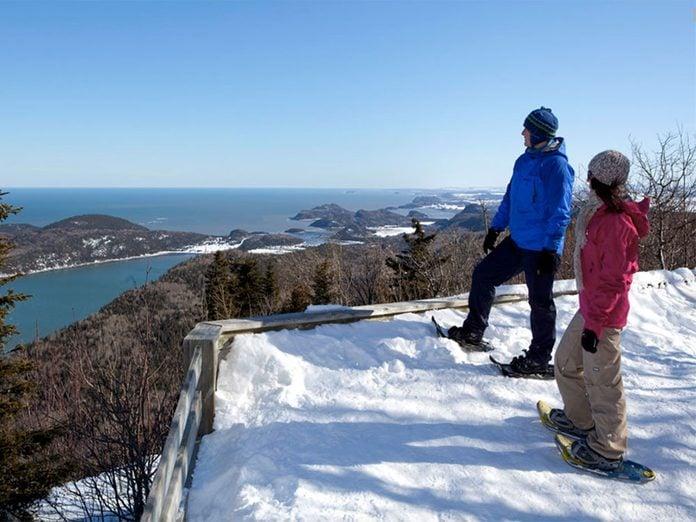 Le Parc national du Bic est parfait pour une randonnée hivernale.