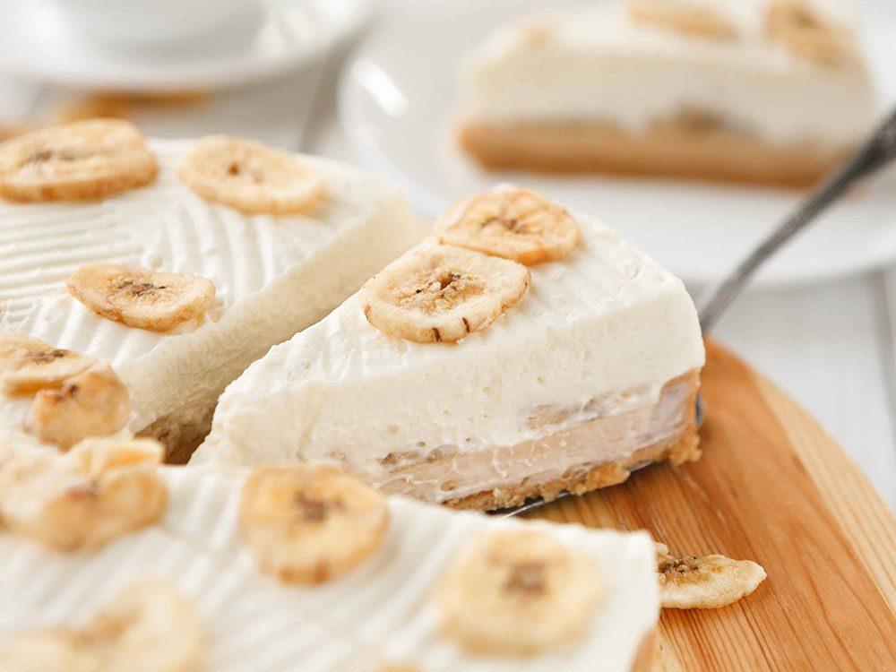Recette de tarte à la crème à la banane avec du lait végétal.