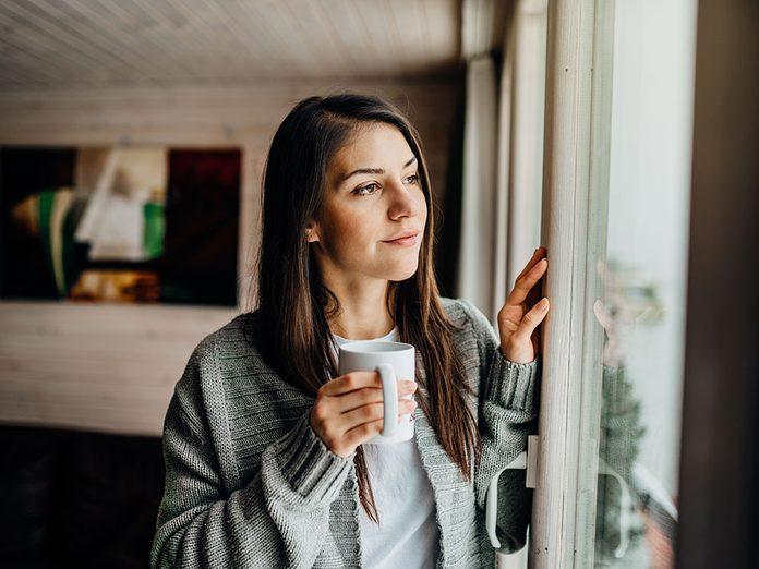 Santé mentale: les introvertis sont-ils mieux adaptés à l'isolement?