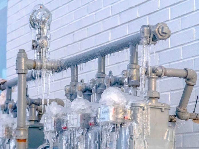 Éviter d'avoir des tuyaux gelés sur le long terme est généralement un projet de grande envergure.