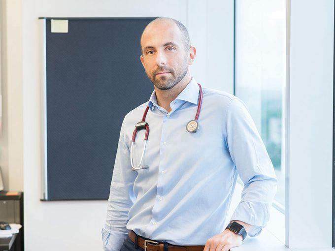 Le Dr Massimiliano Paganelli lauréat du prix Étoiles Effervescence.