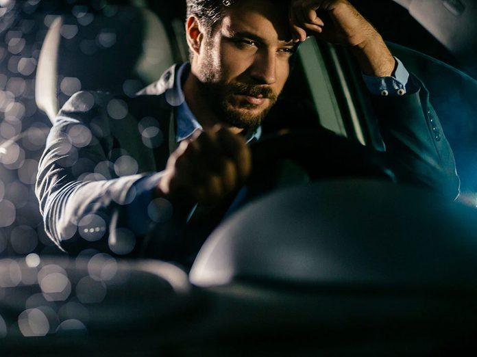 Le détecteur de somnolence fait partie des caractéristiques que votre voiture a sans doute.