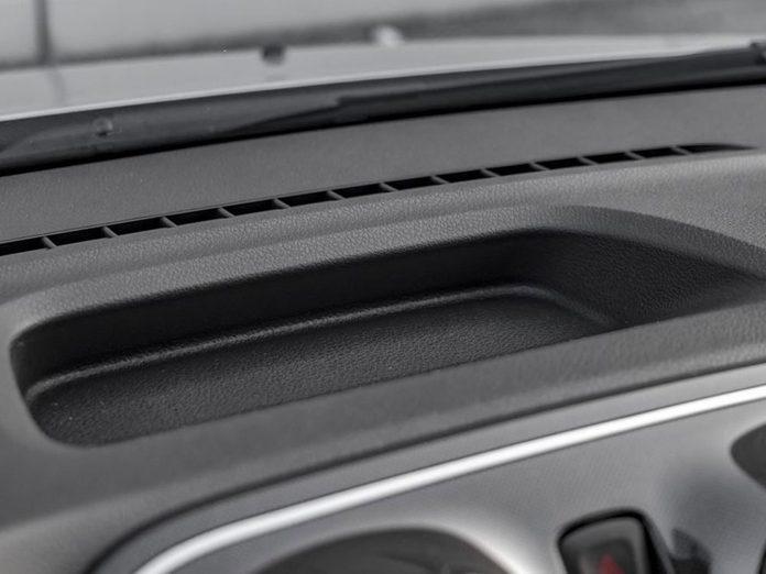 Les espaces de rangement font partie des caractéristiques que votre voiture a sans doute.