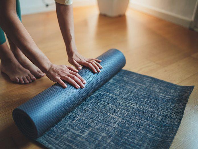 Comment laver son tapis de yoga en coton?