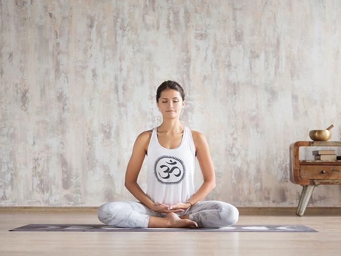 Comment laver son tapis de yoga et à quelle fréquence?