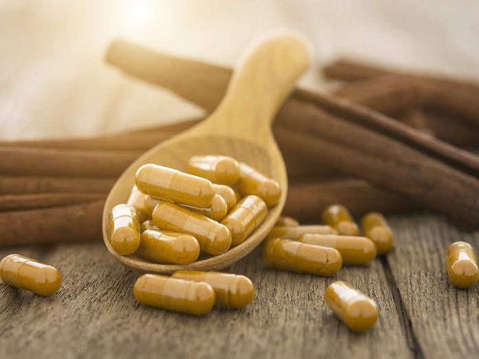 La cannelle est l'un des suppléments à prendre contre les douleurs articulaires.