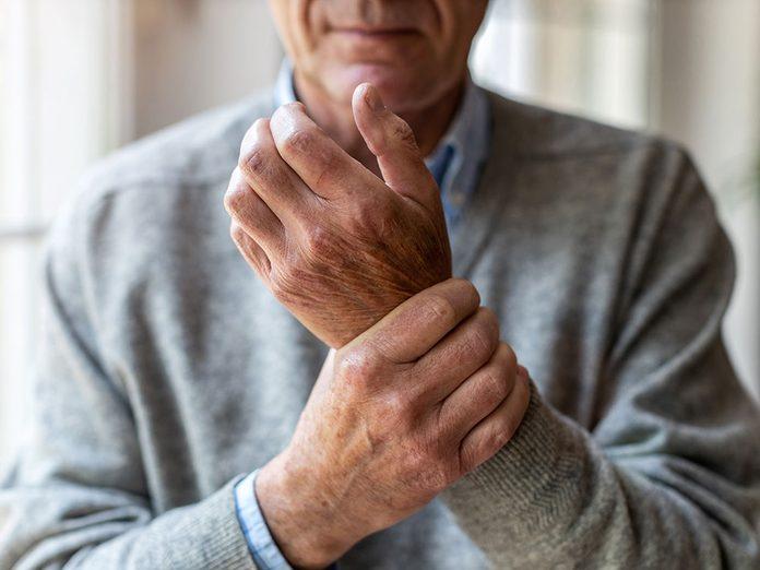 Quelles sont les causes des douleurs articulaires?
