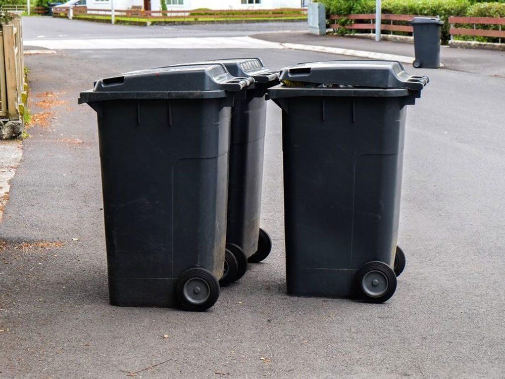 N'oubliez pas de faire le grand ménage de la benne à ordures.
