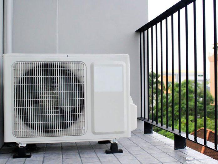 N'oubliez pas de faire le grand ménage du climatiseur.