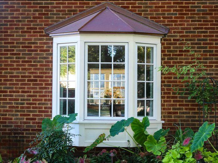 N'oubliez pas de faire le grand ménage des trous d'évacuation des fenêtres.