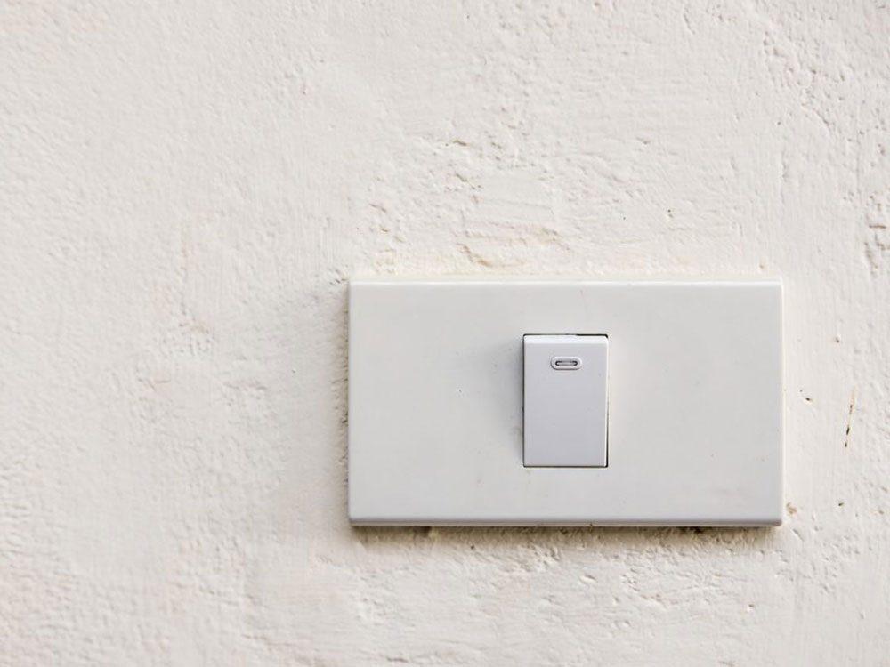 N'oubliez pas de faire le grand ménage des interrupteurs.