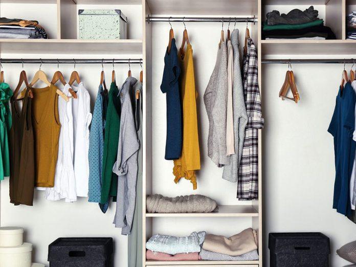 N'oubliez pas de faire le grand ménage des placards intérieurs.