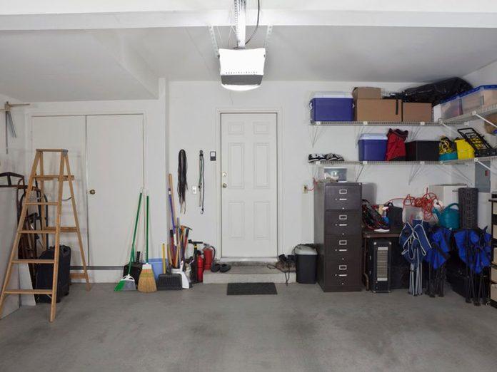 N'oubliez pas de faire le grand ménage du plancher de garage.